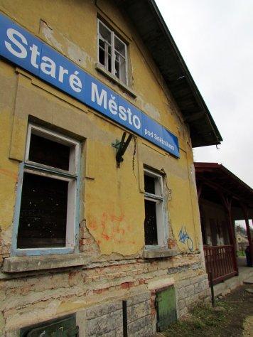3._Stare_Mesto_pod_Sneznikem_budynek_stacji_kolejowej