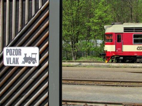6._o_podrozowaniu_przez_Czechy_Tanvald_stacja_kolejowa