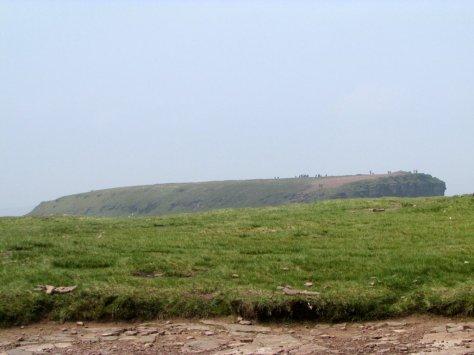 9._Brecon_Beacons_National_Park_widok_na_Corn_Du_z_Pen_y_Fan_gory_stolowe