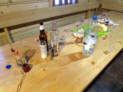 Przyklad_stolu_po_imprezie_w_schronisku_gorskim