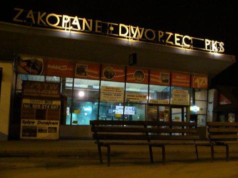 Zakopane_Dworzec_autobusowy_PKS_noc