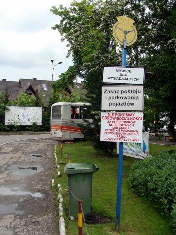 Zakopane_Dworzec_autobusowy_PKS_tabliczki