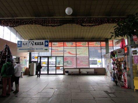 Zakopane_Dworzec_autobusowy_PKS_wnetrze