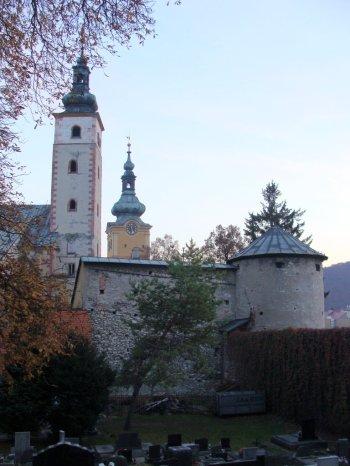 Zamek_miejski_widziany_od_strony_cmentarza1
